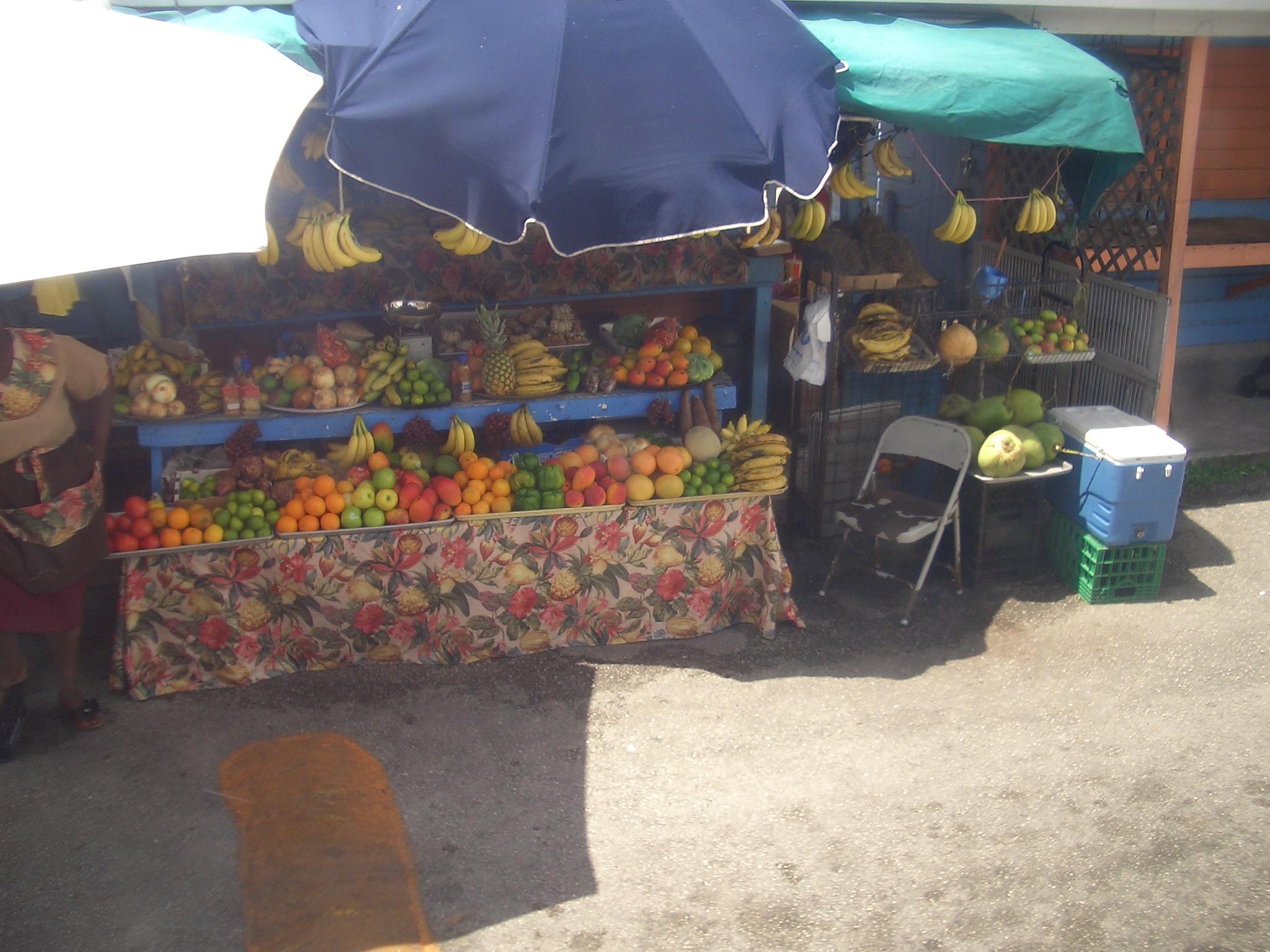 CIMG4051 mercato della frutta Bahamas