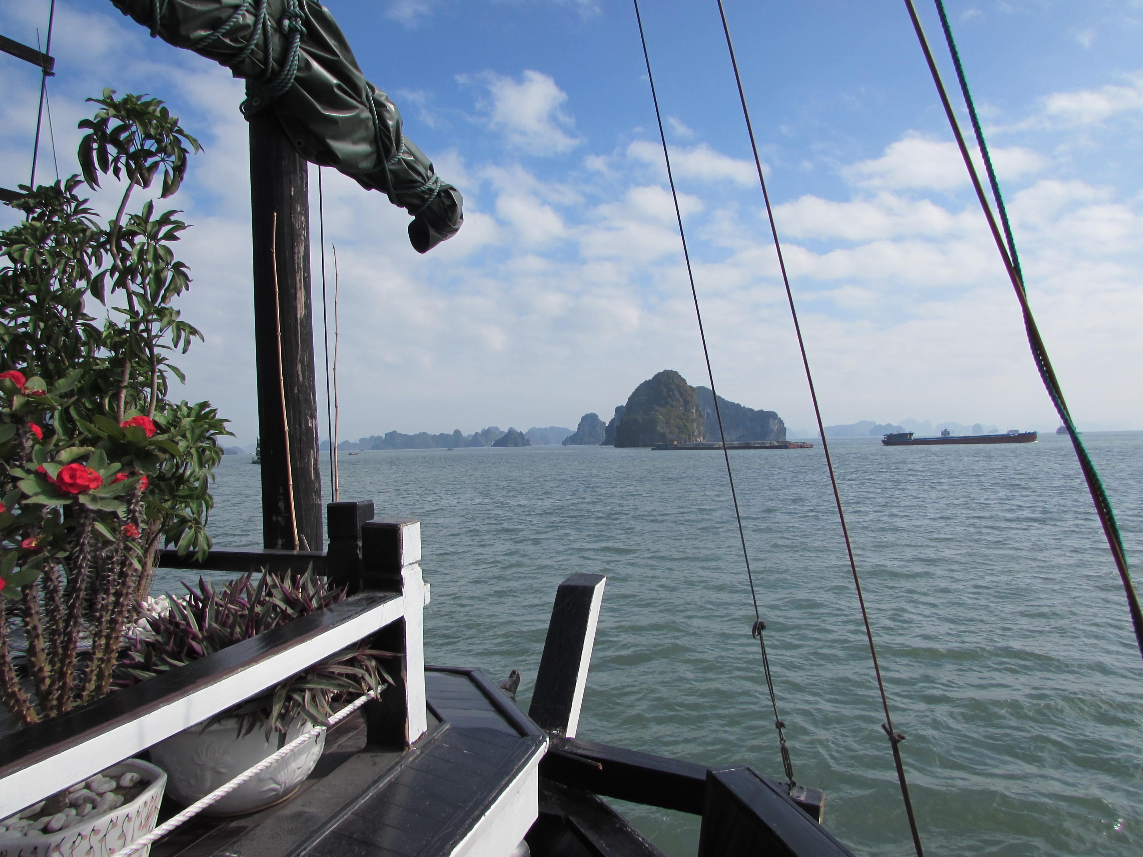 viaggiandoviaggevolmente alla baia di Halong