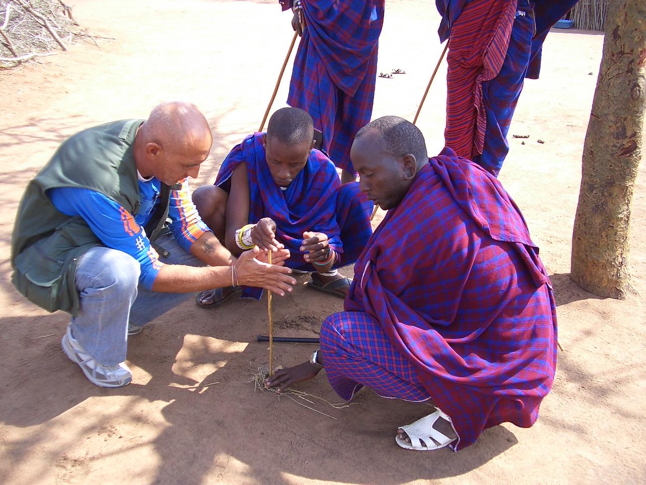 Incontro con i Masai nella strada che porta al mare